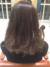 グレージュグラデーション ブリーチ2回 髪質によっては誤差はでます agir hair所属・廣田由加のスタイル
