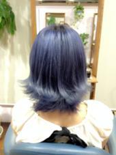☆☆Candy blue☆☆  ▶︎ブリーチ3回  根元から毛先にかけて薄くなっているグラデーション風カラー!色落ち後も白っぽいシルバーになるよう色落ちのことも考えて調合♡ 小川久美子のスタイル