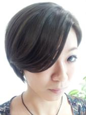 前髪を長めにして流れやすくなるようにカットしました! Tomo'HairDesign所属・市村智のスタイル