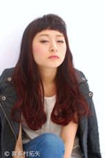 todays work style  ベースのダークボルドーにウィービンで立体感を出して、バングに抜け感をプラスしました 関西から遊びに来てたみたいです!newcolorで東京たのしんでー! #tannenworks  #takuyakitamura  #hairstudiomenos #hair #fashion #color #ウィービング #cut #高円寺 #newcolor  hair studio menos所属・喜多村拓矢のスタイル