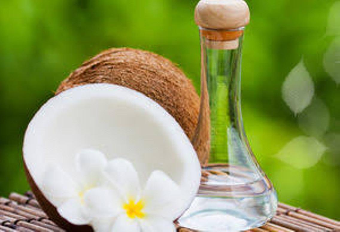 #その他 天然100%ココナッツオイルは、サラッとしているのに高保湿✨紫外線のダメージ肌や虫刺され痕の回復を早めてくれます。