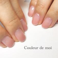シンプルなグラデーションに極細ラメフレンチでお上品に Nailsalon & school Couleur de   moi(クルールドゥモア)所属・西田裕美子のフォト