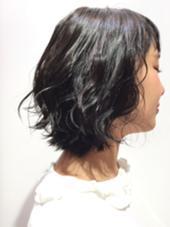 最近は暗めのくすんだ色が人気です☝︎ EARTH札幌駅前店所属・奈良玲生のスタイル
