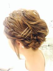 ボブのお客様  ゴールドピンはスタイリッシュに してくれます… MOF   HAIR  SALON所属・愛美のスタイル