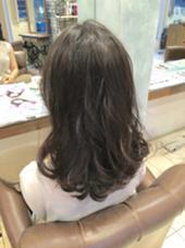 ☆☆☆トレンド最先端ブルージュ☆☆☆  透明感抜群の外国人風カラーリング♪ 赤みは押さえつつ、カラー剤の調合を工夫して色持ちはしっかり! 明るすぎず、オフィスでも浮かないオトナカラーリングです(*^^*) aile Total Beauty Salon生駒本店所属・HayashiKanakoのスタイル