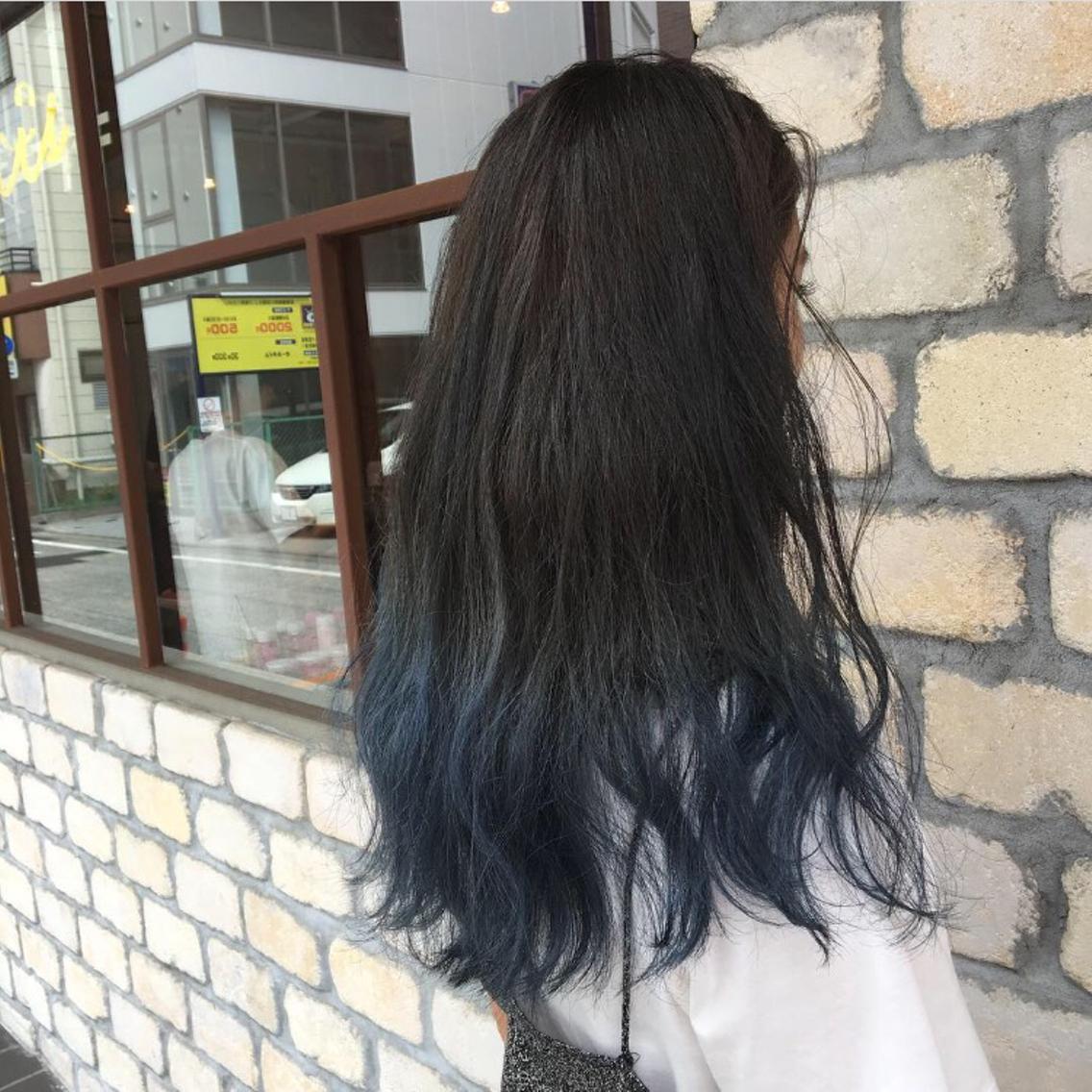 毛先をブリーチしてブルー☆ 個性派カラーかわいいです!|marcie所属
