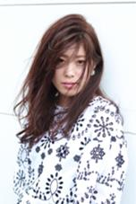 ロングスタイル 外での撮影も楽しいですね! 撮影講習にて Hair&Make HUG所属・前野由香のスタイル