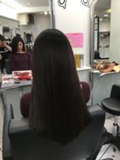 スーパーロングナチュラルヘアー シールエクステです Beee  hair salon所属・山森伴利代表のスタイル