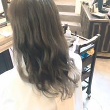 毛先がシルバー✨  グラデーションで作る グレージュ Hair  Atelier Ririan所属・マエダシンゴのスタイル