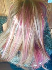 全頭にブリーチでウィービングした後にピンクをのせました! AUGUST所属・木口孝明のスタイル