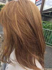 アッシュ×ハイライト hair Snip所属・服部希美のスタイル