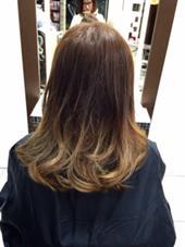 ベージュ系のグラデーションで巻き髪にも◎ STYLE横浜所属・かさいゆきのスタイル