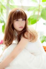 透明感のあるクリームベージュカラー  beauty and care CALON所属・松田力のスタイル