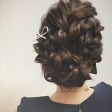 編み込みとねじりで逆毛無しアレンジ❣ 髪に負担をかけずにアレンジ可能です hairHEARTS所属・StylistKのスタイル