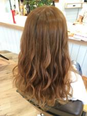 クリスタルミルキーカラー✂︎ 【いぬ色!ゴールデンレトリバー】 ハイライトをプラスしてアクセントを★ ハイトーンはただ派手にするのではなく オシャレにかわいく見せます(*´ω`*) hair life design Suah所属・なかしましょうこのスタイル