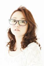 メガネ女子 #ルーズカール#ピンクベージュカラー#空気感 dahlia(ダリア)所属・KomuroTakeshiのスタイル