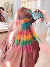 《フェス*ライブ前の方必見!designカラー》  やりたい髪色をやりたいようにやりましょう。 短い期間で色が落ちるようにする染め方もご相談ください。 EARTHつくば学園店所属・イトウアスカのスタイル