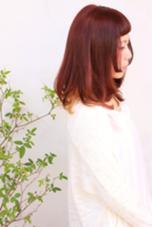 セクションカラーで裾に遊びゴコロを入れてみました。 tete所属・高橋健治のスタイル