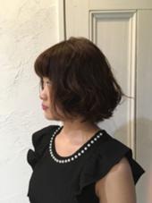 外ハネショートパーマ HYKE hair&lifedesign所属・伊藤里沙のスタイル