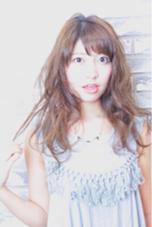 ゆるふわパーマと軽めの短め前髪で可愛さUP♡ HAIR MAKE AIR所属・秋山美紀のスタイル