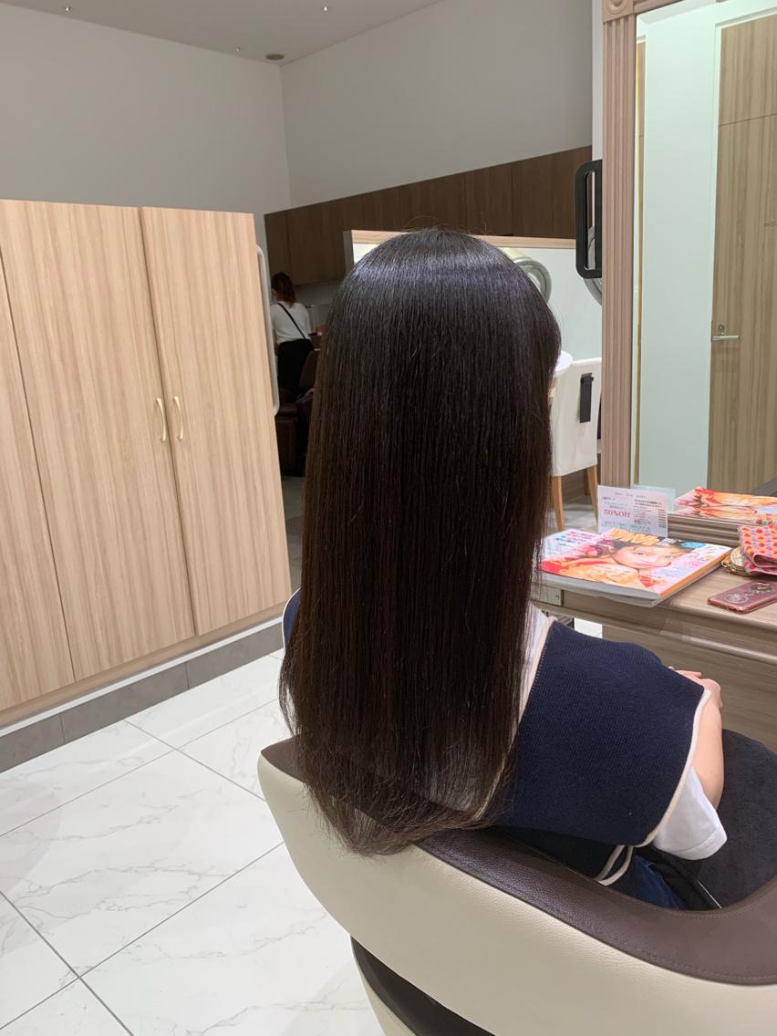 #セミロング #パーマ 紙を綺麗に伸ばしたい方へ…プレミアム縮毛矯正でサラツヤな髪へ💇♀️✨
