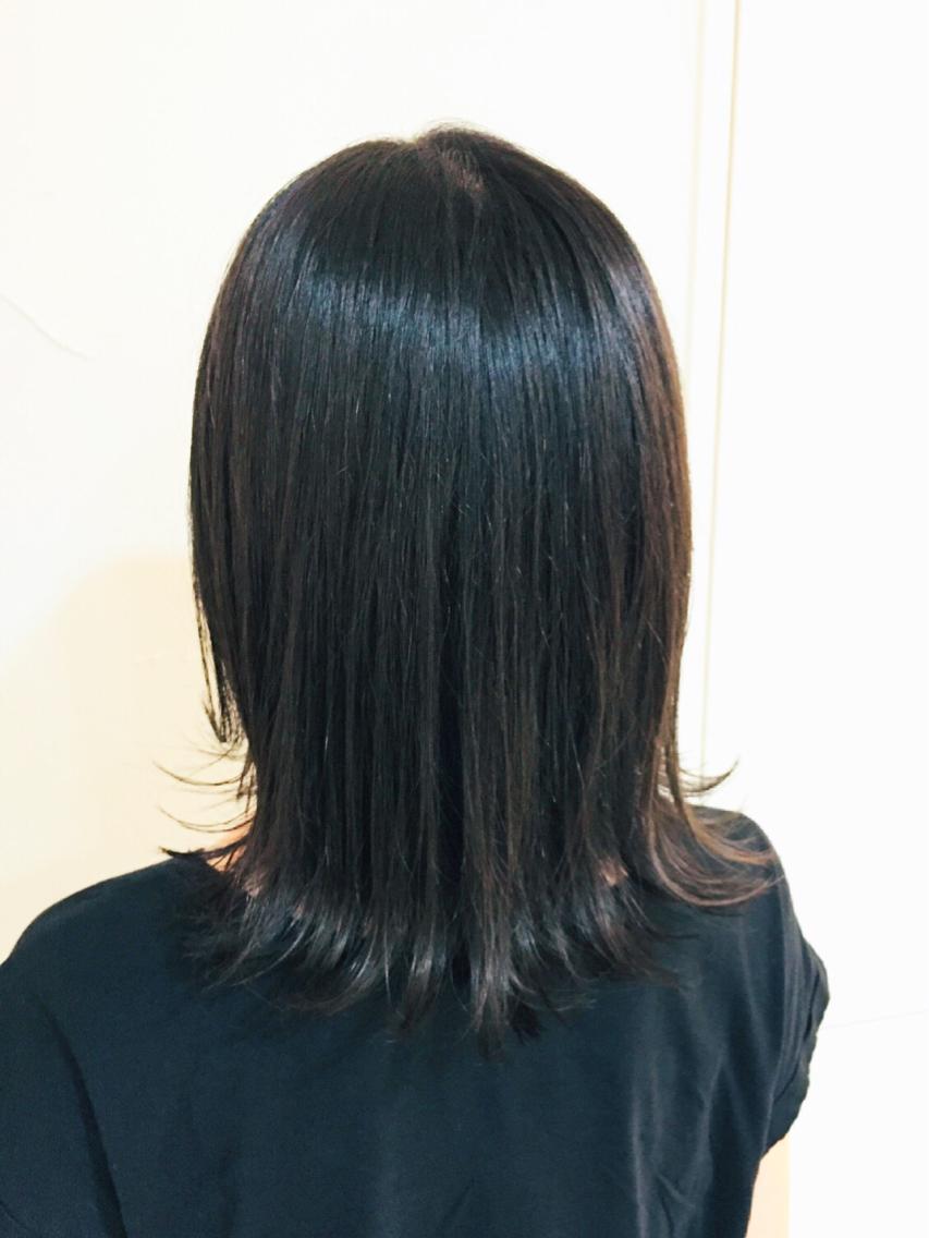 #ミディアム #カラー ダークオリーブのヘアカラー! 普通の黒髪とは違い透明感のある暗髪に仕上がっています。