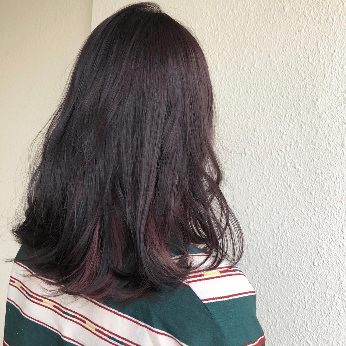 インナーのピンクチラ見せ♡ インナーカラーかわいいです♡♡|mellowman