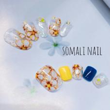 ●ハンドネイル●  上段 9000円アート《手書きフラワーネイル》 下段 9000円アート《手書きフラワーネイル》 nailsalon somali所属・nailsalonsomaliのフォト