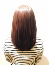 赤みを抑えたアッシュ系艶カラー uka所属・高良みのりのスタイル