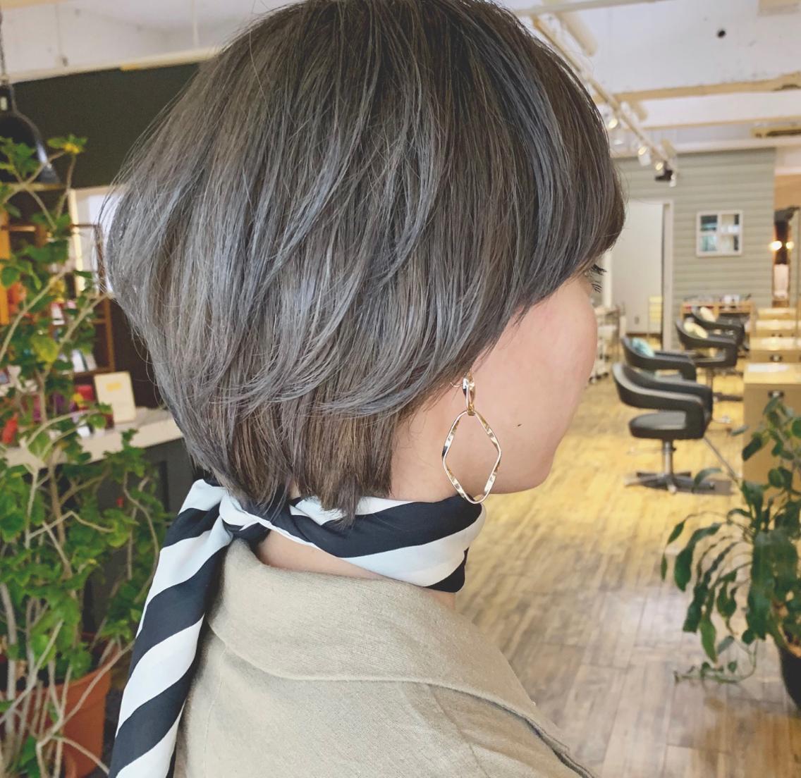 #ショート #カラー 流行りの  グレージュカラー♡  カットは大人っぽいショートヘア!