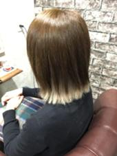 インナーカラー 外ハネ Charm Hair Resort所属・安田紘果のスタイル