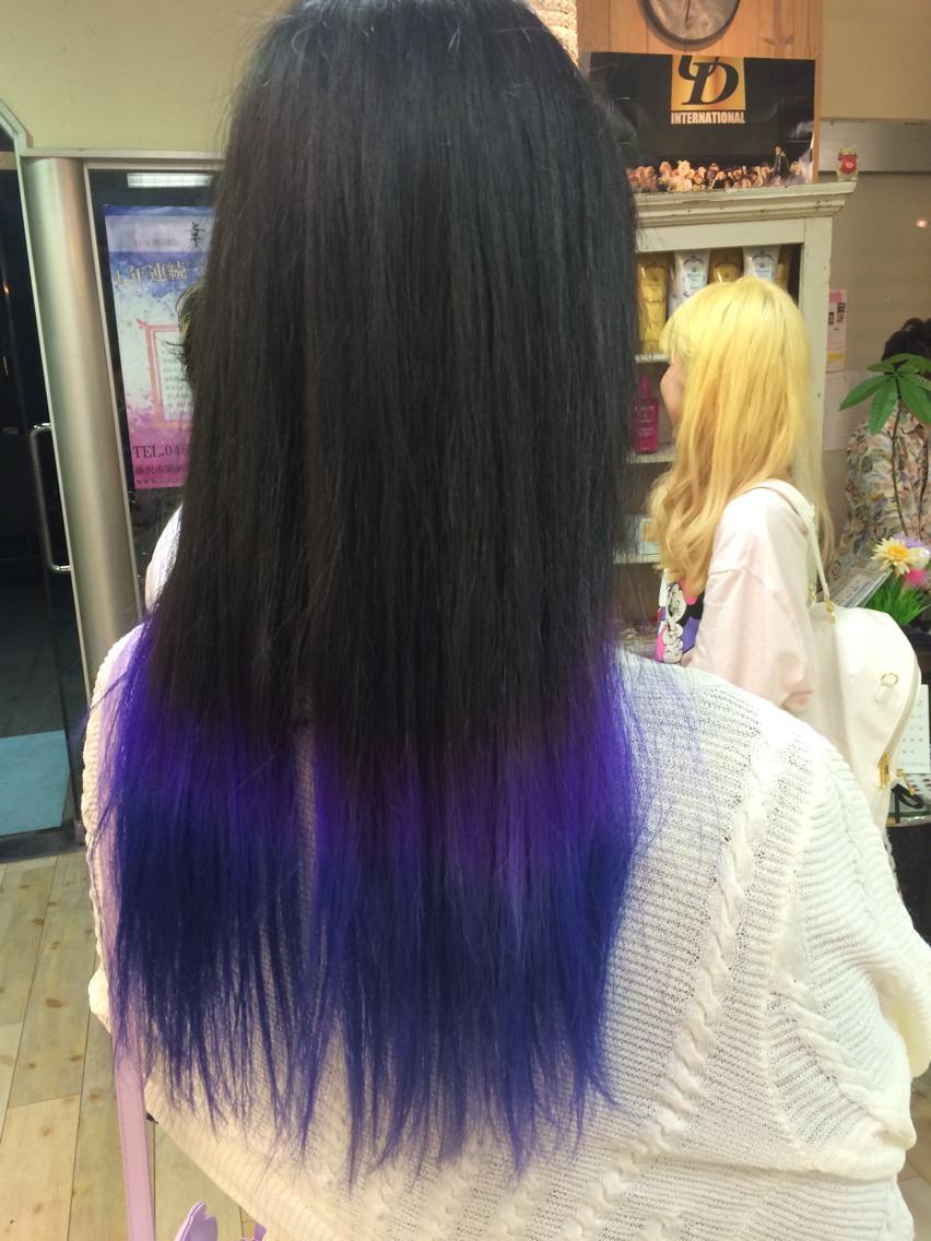 #ロング グラデーションの中にも紫からの青の繊細なセンス光るカラーです!! 同じ色だけのグラデーションじゃ飽きるのでこういうのも楽しいですよ(*^_^*)