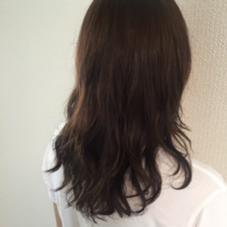 セミロング レイヤーパーマ ウェット仕上げ pluscare所属・内田千晶のスタイル