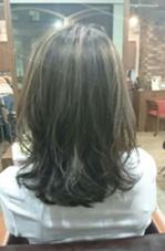 ハイライト入りグレージュ EMMA所属・小松崎祐太のスタイル