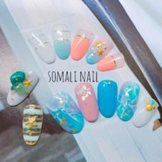 ●ハンドネイル●  上段 7800円アート《グラデに貝殻、ヒトデパーツ》 下段 8000円アート《オーロラフィルムに大理石風ネイル》 nailsalon somali所属・nailsalonsomaliのフォト