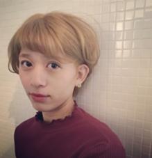 ベリーショート × ハイトーン (サイド刈り上げ)❤︎ HAIR&MAKE    J-GENIC所属・柏木奈那子のスタイル