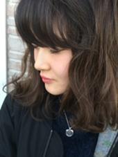スモーキーアッシュにメタリックな質感のメッシュをプラス♫ テラスオブベル所属・日置大暁のスタイル