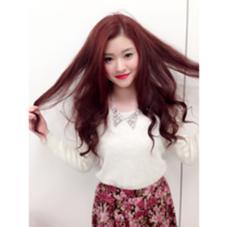 カラー... チェリーレッドカラー ある程度明るい髪ならブリーチなしで綺麗に入りますよ!! TONI&GUY所属・庄司直生のスタイル