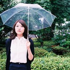 梅雨の時期にも涼しげなアッシュカラーのミディアムスタイルです! ケンジントンワンダー東中野店所属・小川敏輝のスタイル