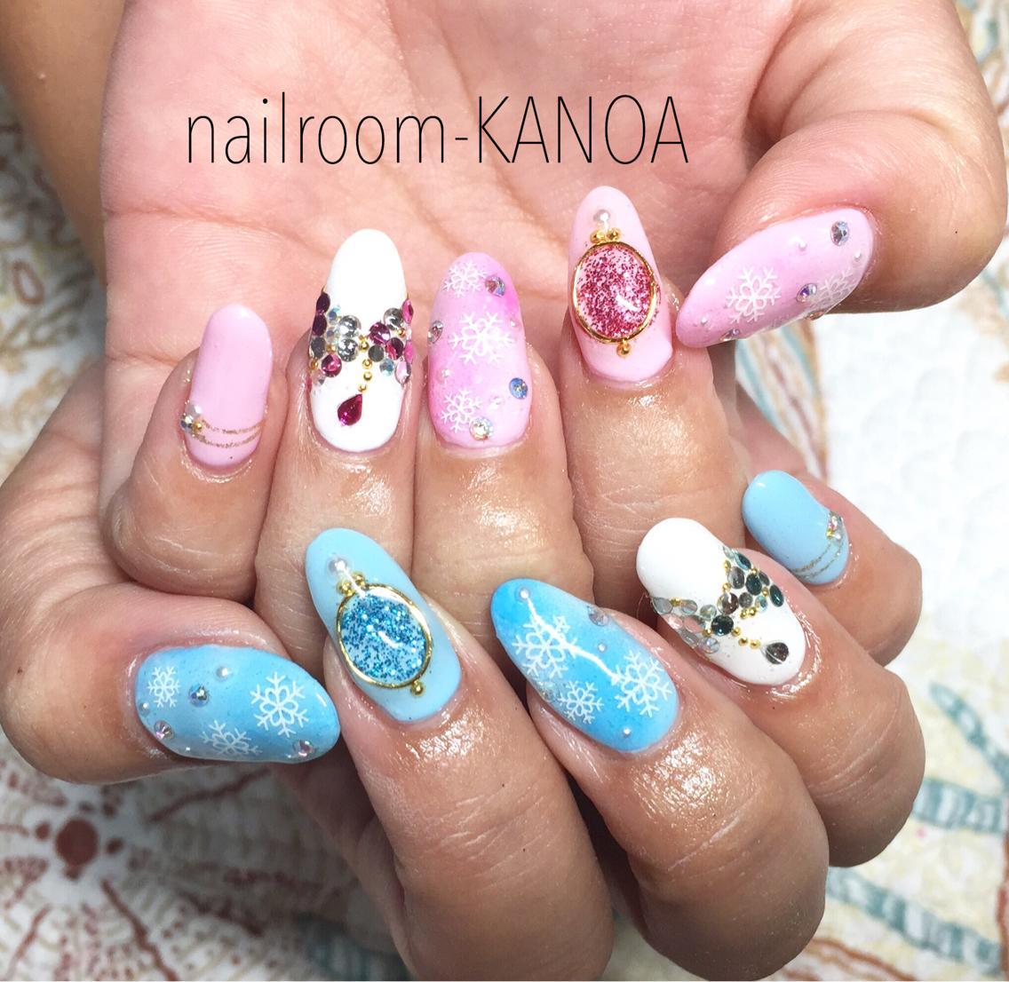 ピンク・水色 雪の結晶ネイル|nailroom KANOA所属・nailroom