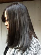 ブリーチなし 暗めのグレー YUKA.Aのスタイル