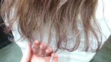ダブルカラーでスケスケピンクシルバー! Ravo hair所属・安達瑛のスタイル