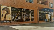 日吉駅サンロード1番奥のお店 徒歩3分 neolive runon所属・奥間智絵のスタイル