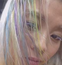 その他 カラー キッズ ショート セミロング ネイル パーマ ヘアアレンジ マツエク・マツパ ミディアム メンズ ロング キイロアオムラサキピンク