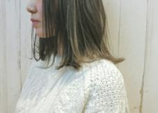 今や定番のイルミナカラー☆細く入れたハイライトとローライトが立体感をつくります。 ALLURE HAIR〜elfi〜所属・間嶋紗由美のスタイル