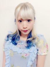 薄めのアッシュバイオレットでホワイトカラー☆  インナーカラーでブルーを入れて夏っぽい可愛いお嬢様風を演出しました☆   北野輝のスタイル