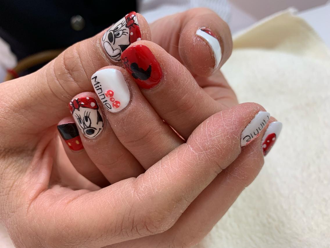 #ネイル Minnie Mouse nails  ミニーちゃんネイル  顎手のミニーちゃんも!    #glitternails  #swarovskinail #ongles #nailstagram #jelnail #nailart #nailartist #nailswag #nailsart #japanesenailart #kanakanail #ジェルネイル #ネイルサロン #nailsalon #中央林間ネイルサロン #オリジナルネイル #大和市ネイルサロン #chuorinkannail #大人ネイル #大人ネイルが得意なサロン #ラメ #キラキラ #安いネイル #主婦ネイル #50代ネイル #60代ネイル #プライベートサロン #¥5000ネイル#minnienails #minniemouse #ミニーネイル #ミニーちゃんネイル