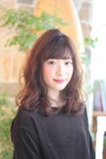 ふわふわの波打ちウエーブパーマ SHEL所属・石川ミカのスタイル