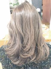 ◎ハイクラストリートメント ブリーチ毛でもこのツヤ感 手触りもサラサラ。 Bonita by Lafamilia所属・ニシムラカナのスタイル