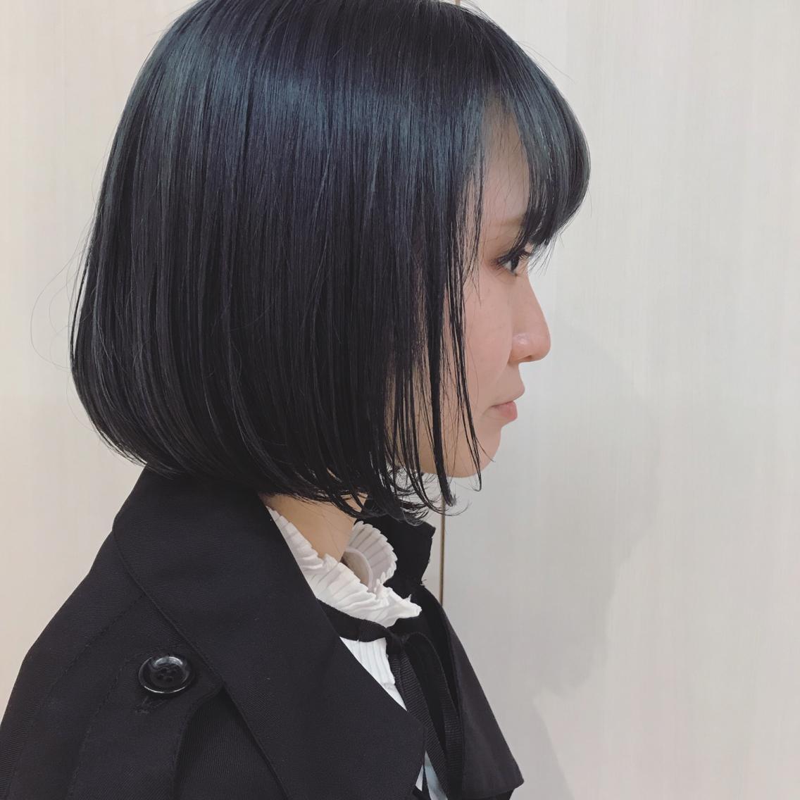 #ミディアム #カラー ブルーブラック 🦋 黒い服が多い方におススメです◯  ケアブリーチで綺麗な髪の毛保ちましょ ❤︎